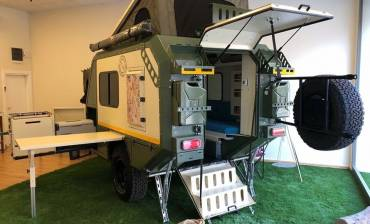 8d14d-crawler-izz-428-caravan-camper-offroad-trailer-4x4-expedition-expeditionstrailer-camping-adventure-gelaendewagen-jeep-defender-outdoor-aussendusche-camp.jpg