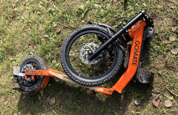 scooter-escooter-gomate-zusammengeklappt.jpg